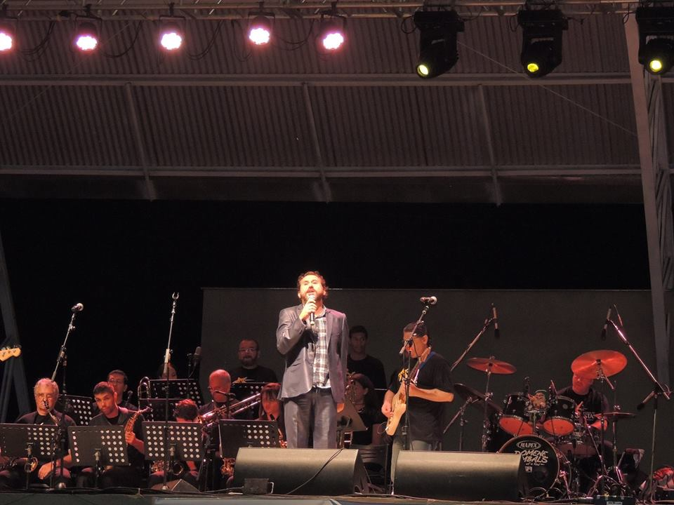 Com a Jazz big band de Santos